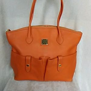 ⏳Clearance- Authentic Dooney and Bourke tote